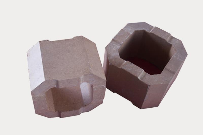 Magnesium zirconium brick